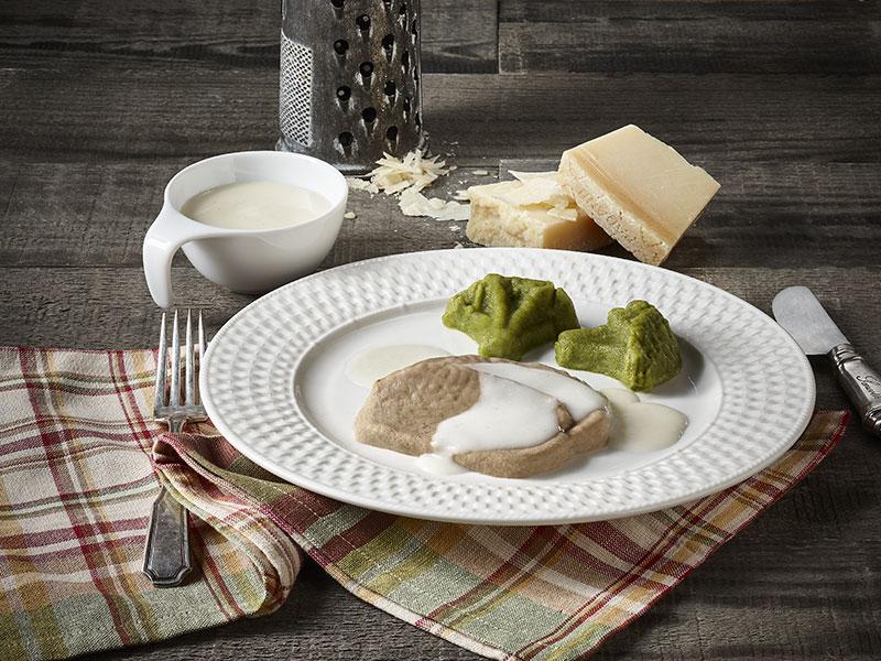 Veau et brocoli avec sauce à la Parmigiana